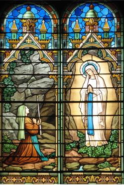 Vitrail de l'église de Saint Genis laval