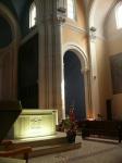 Eglise autel.jpg
