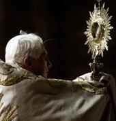 adoration-benoit-XVI.jpg